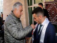 Vali Toprak vatandaşların düğün törenine katıldı!