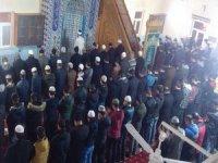 Hakkari'de yüzlerce genç sabah Namazında buluştu