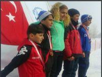 Hakkari kayakta Türkiye birincisi oldu