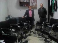 140 tekerlekli sandalye dağıttılar