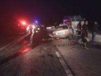 Otomobiller hurdaya döndü: 3 ölü, 1 yaralı