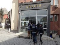 Şemdinli'de 4 kişi tutuklandı