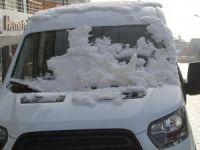 Başkale'de kar yağışı etkili oldu