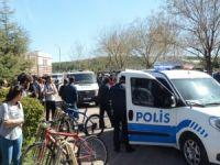 Üniversiye silahlı saldırı: 4 ölü