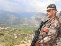Özel harekatçılar sınırda kuş uçurtmuyor