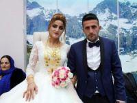 İşadamı kardeşine görkemli düğün!
