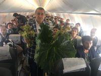 Hakkari-Ankara uçağında şifa dağıtıldı