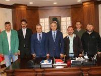 Karadeniz'li gazeteciler Vali Toprak'ı ziyaret etti