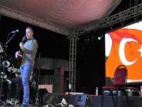 Başkan Keskin sınırda konser verdi
