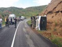 Polisleri taşıyan otobüs devrildi: 11 yaralı