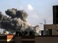 Gazze şehir merkezi bombalandı: 2 çocuk öldü