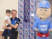 Hakkari polisi çocukları bilgilendirdi