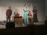 Sağlık çalışanlarından tiyatro etkinliği