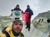 İran'ın Demavend Dağı'na tırmandılar
