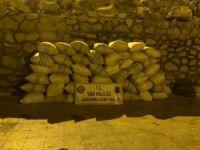 Bin 710 kilo kaçak çay ele geçirildi