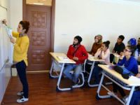 Sürekli eğitimle 213 öğrenci üniversiteli oldu