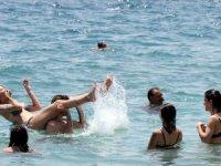 Turist sayısı 10 milyon 47 bin 672'ye yükseldi