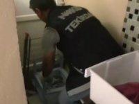 Kirli çamaşırların içinden çıktı!