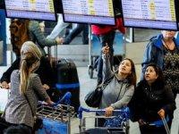 Yüzlerce uçuş iptal edildi