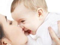 Zayıflama diyetleri anne sütünü azaltıyor