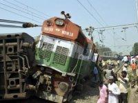 Tren kazası: 5 ölü, 30 yaralı