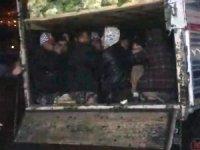 Kamyonette 38 kaçak göçmen yakalandı