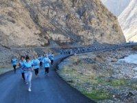 Hakkari'de atletizm kros yarışması yapıldı