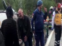 Minibüs şarampole devrildi: 1 ölü, 26 yaralı