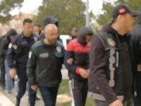 FETÖ operasyonu 3'ü sivil, 48'i askeri gözaltı kararı