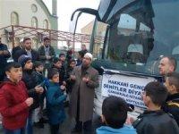 Hakkari'li öğrenciler dualarla geziye yollandı