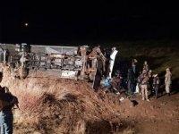 Ağrı'da yolcu otobüsü devrildi: 19 yaralı