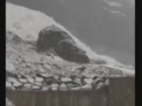 Hakkari Sümbül dağında yılın ilk çığı düştü