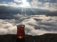 Öğretmenler bulutlar üzerinde çay yudumladılar