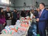 Hakkari'de 40 okul takımına spor malzemesi dağıtıldı