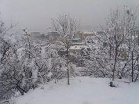 Hakkari'de 33 köy, 73 mezra yolu ulaşıma kapandı