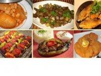 İzmir Efes Büfe'de çok çeşit yemekler sadece 10 TL