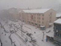 Hakkari'de kar yağışı yeniden başladı