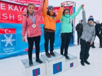 Hakkarili sporcular Bitlis'te 14 madalya ile döndü