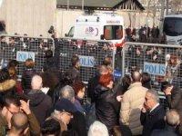 HDP'li vekil Güven cezaevinden ambulansla çıktı