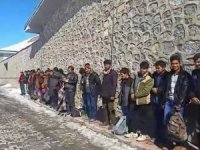 minibüsten 41 kaçak göçmen çıktı