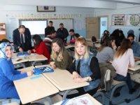 Hakkari'de öğretmenler atölyede