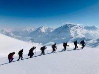 Zorlu Mehed dağı kış tırmanışı yapıldı