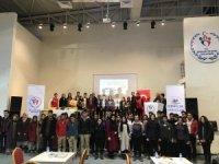 Hakkari'de okullar arası bilgi yarışması yapıldı