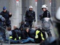 Sarı Yelekliler Fransız polisiyle çatıştı