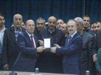Başkan Er'den Başarılı Başkan Epcim'e plaket