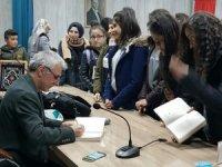 Hakkari'de okur yazar buluşması