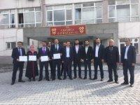 Çukurca'da AK Parti'li Dündar, mazbatasını aldı