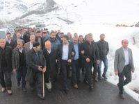Ak Parti heyeti Durankaya'ya çıkarma yaptı