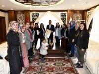 Ak kadınlardan Vali Akbıyık'a ziyaret