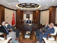 Üniversite Hocalarından Vali Akbıyık'a ziyaret